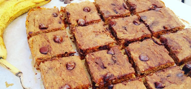 Skinny banana chickpea blondies