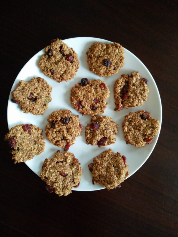Gluten-free banana cranberry cookies • Healtholution
